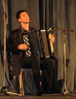 Momir Novaković na koncertu
