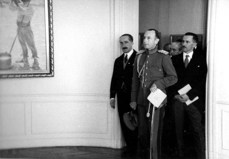 Knez Pavle i Milan Kašanin u obilasku Muzeja